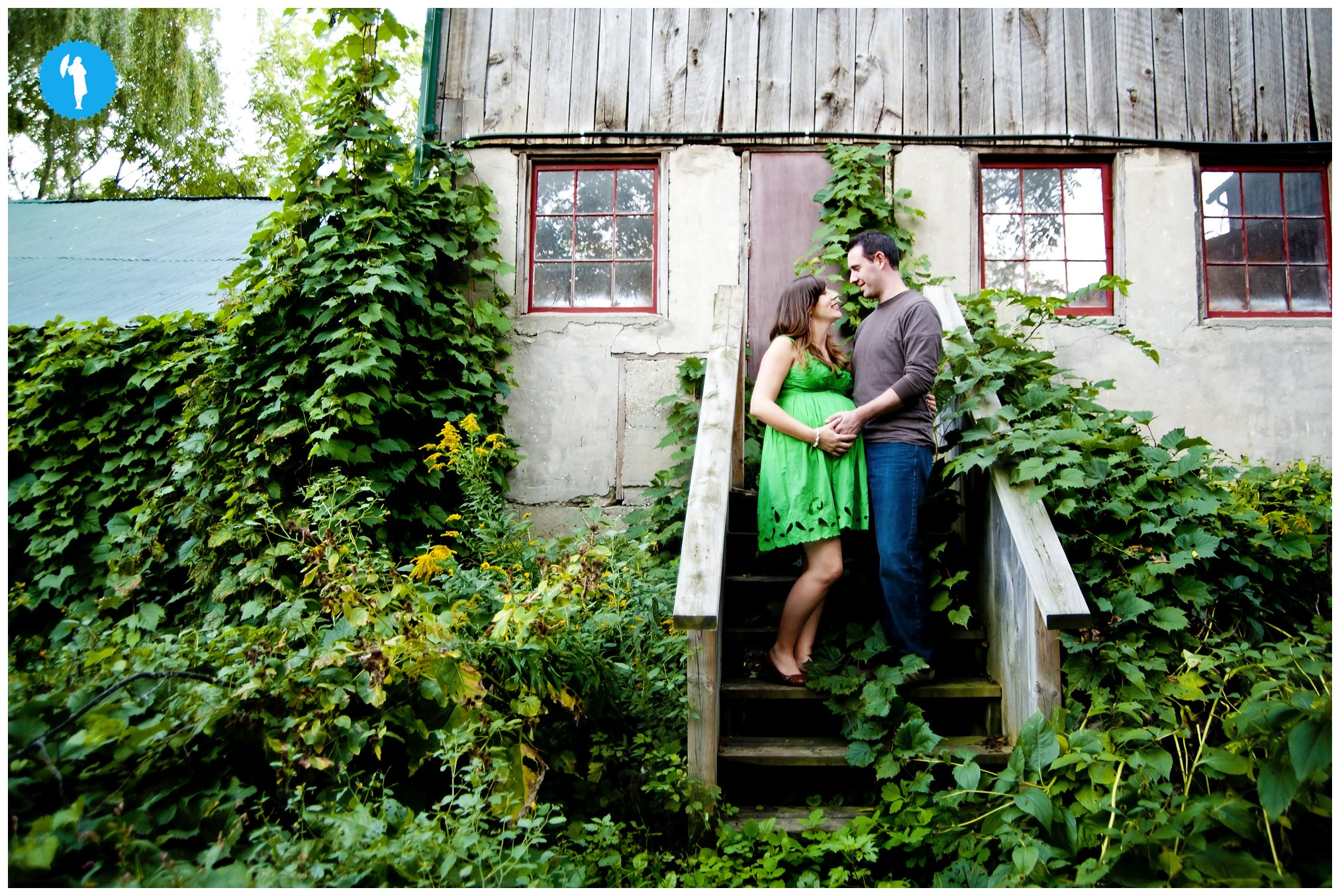 Maternity photography in Kitchener at Steckle Heritage Farm.