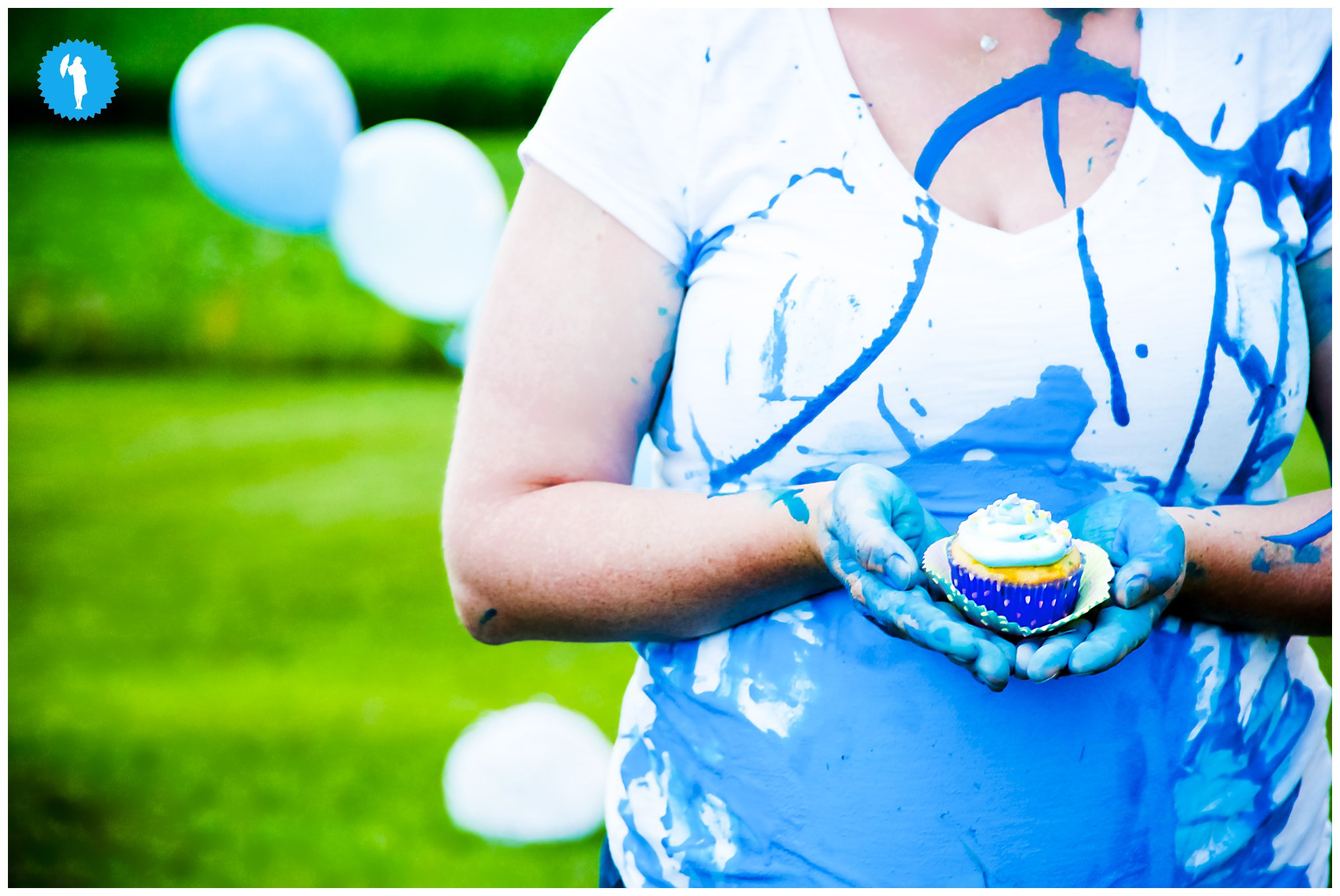 Gender reveal photo shoot in Cambridge by Emily Beatty.
