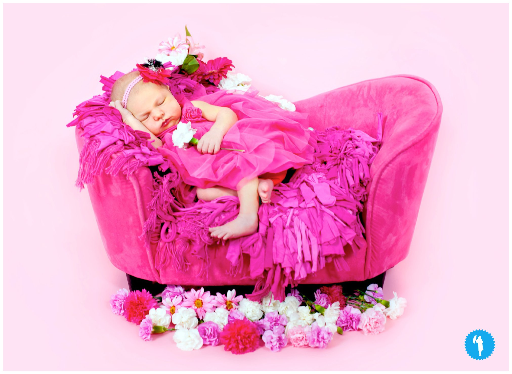 Newborn photography in Kitchener, by Emily Beatty Imagery.