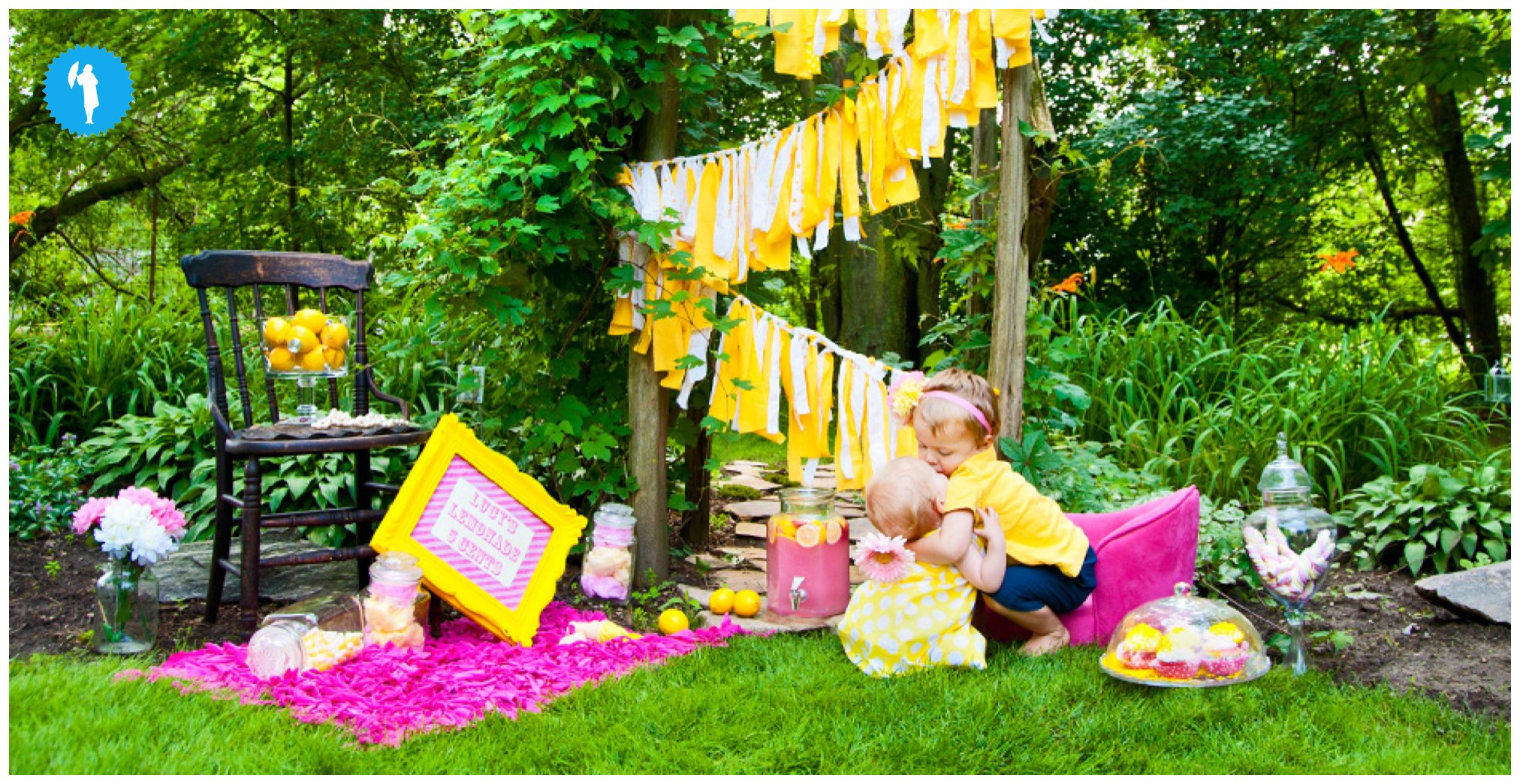 Lemonade stand photography in Kitchener Waterloo by Emily Beatty.
